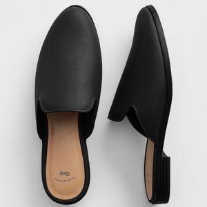 Gap Slip-On Pebbled Faux Leather Mules Black 7